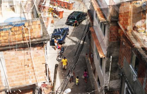 12bis-rio-favela-chez-bob-BD