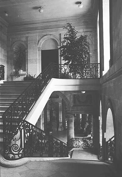 Escalierhoteldeville_mod